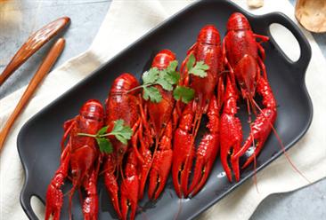 2017年小龙虾社会经济总产值约2685亿 增长83.15%