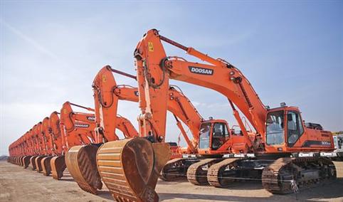 2018年1-8月江苏省挖掘机产量为7.5万台 同比增长61.5%