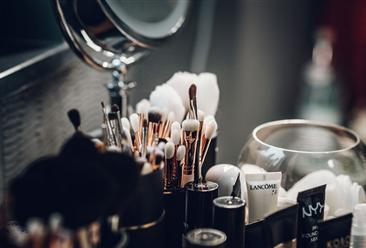 京东美妆回应不妥文案怎么回事?2018中国美妆消费趋势你了解多少?(图)