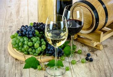 2018年10月全国葡萄酒产量为6.3万千升 同比下降7.4%