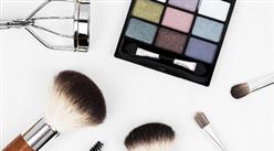 2018年中国化妆品消费市场回顾及2019年预测(附图表)