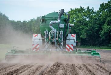 2018年1-11月甘肃省农用氮磷钾化肥产量及增长情况分析