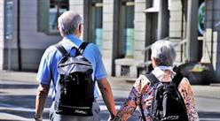 养老服务业迎政策春风 老年经济将成消费增长点(图)
