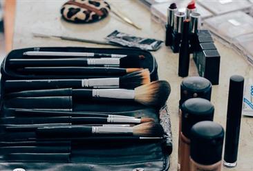 2019年3月中国美容化妆品及护肤品出口量及金额增长情况分析