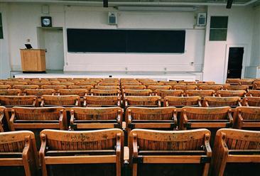 翟天临引论文查重加严学生叫苦 中国高等教育现状如何?