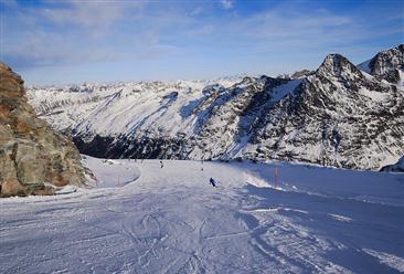 河北印发支持冰雪产业发展措施 冰雪小镇将优先纳入河北省特色小镇名单