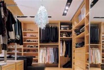 2019年1-12月全国鞋帽服饰类零售额达13517亿元  同比增长2.9%(表)