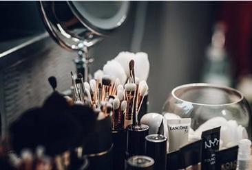 疫情下直播带货成化妆品零售新趋势  2019年化妆品行业零售市场总结(图)