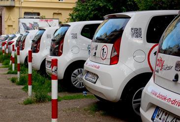 汽车租赁前景向好:2020年汽车租赁市场规模有望突破1000亿元