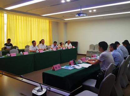 精准招商对接:中商产业研究院陪同客商到贵州遵义考察