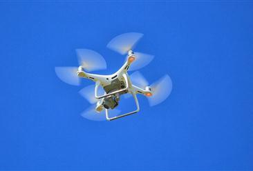 中国移动5G网联无人机完成海防救援演练  2020年无人机产业链及发展前景分析(图)