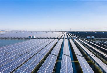 """未来十年将大力发展风电太阳能发电 """"十四五""""光伏风电发电量装机量预测(图)"""